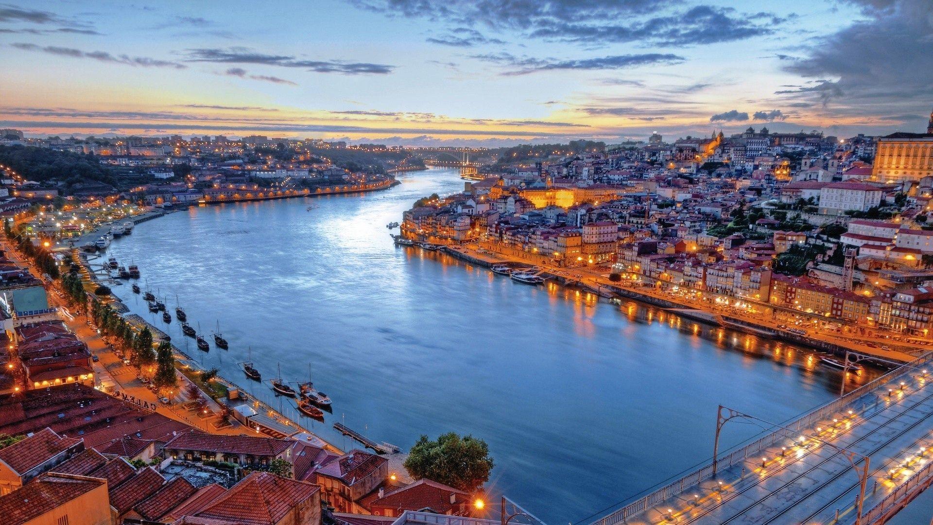 شهر لیبسون پرتغال در نمای غروب آفتاب