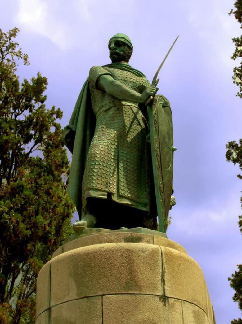 آفونسو هنریک اولین پادشاه پرتغال