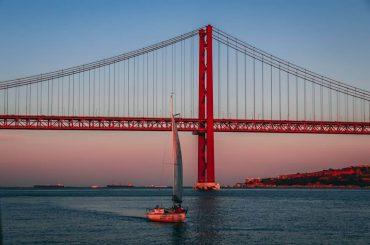 پل 25 آوریل لیسبون پرتغال